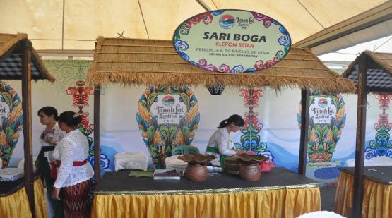 Klepon-Setan-at-Tanah-Lot-Art--Food-Festival-2.html